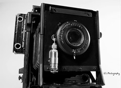 Blacked-out Military Graflex - 1944 (http://www.yashicasailorboy.com) Tags: kodaksupermatic shutter lens kodak ektar wwii military usaaf army graphic graflex speedgraphic 1940s war usa camera largeformat 4x5 sheetfilm blackcamera