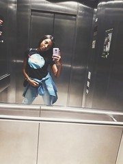 Oi (Lemon Mousse!) Tags: selfie elevatorselfie daybybday memories coolmonday monday coolsummer summe summer