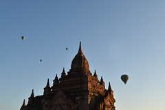 Bagan hab 5 (Neal J.Wilson) Tags: asia asian burma burmese myanmar bagan hot air balloon ballooning flying buddhism buddisttemples temple stupa