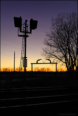 Guarded Twilight (Justin Hardecopf) Tags: up unionpacific block signal sunset twilight six shooter gate valley nebraska railroad