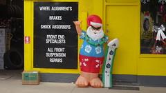 0343 Surfer Santa, tyre shop in Streaky Bay (roving_spirits) Tags: australia australien australie southaustralia eyrepeninsula