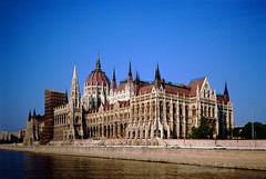 Parliament Building over the Danube River (Vern Krutein) Tags: parliamentbuilding danuberiver budapest legislativebuilding landmark imresteindl palace parliment parlament gothicrevival hungary hungarian travel scenics architecture europe european structure historic cehv01p0208