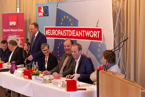 Auf dem Kreisparteitag der SPD Ammerland in Querenstede habe ich den Vorsitz abgegeben. Zum Nachfolger wurde Uwe Kroon (3.v.r.) gewählt.