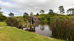 Hobbiton (pboolkah) Tags: red canon canon5d canon5dmkiv matamata waikatoregion newzealand nz