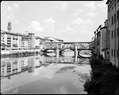 Ponte Vecchio (BG Sixtyniner) Tags: italia toscana firenze pontevecchio arno bridge landscape river city old historic medieval handheld largeformat lf 4x5 sheet film analog bw adox chs100 rodinal 150 homedev sp445 20c linhof technikaiii nikkorw f56 135mm canoscan 9000f vuescan