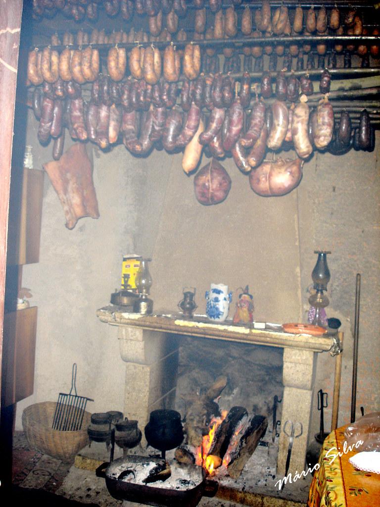 Águas Frias (Chaves) - ... cozinha transmontana ...