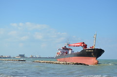 Efe Murat (Fraufraua) Tags: turchia turco barca nave mare bari mercantile italia turkey puglia arenata southitaly