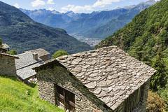 Tetti di Savogno (cesco.pb) Tags: valtellina valchiavenna savogno alps alpi lombardia lombardy montagna mountains canon canoneos60d tamronsp1750mmf28xrdiiivcld italia italy