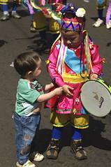 Amizade Passageira (Sergio Bertolo) Tags: documental folclore amizade crianças música dança