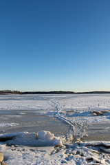 Icy (jannaheli) Tags: suomi finland helsinki arabia arabianranta nikond7200 talvi winter outdoor outside sunnyday naturephotography luontovalokuvaus naturetherapy luontoterapia luonto nature ice snow jäätä lunta