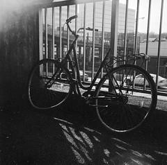 bicycle (rotabaga) Tags: sverige sweden svartvitt göteborg gothenburg blackandwhite bw bwfp lomo lomography lubitel166 twinlens mediumformat mellanformat 120 6x6 fomapan