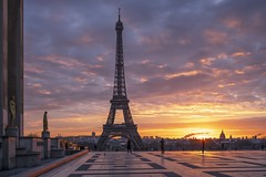 A Sunrise at .... (julialarrigue) Tags: eiffel eiffeltower paris france