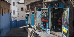 484- BELLEZA Y ARTESANÍA EN XAUEN - MARRUECOS - (--MARCO POLO--) Tags: calles rincones ciudades marruecos exotismo curiosidades