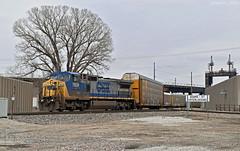 Westbound Autorack Train in Kansas City, KS (Grant G.) Tags: csx csxt gecx ge power railroad railway ns norfolk southern up union pacific west westbound auto automotive autorack train trains kansas city