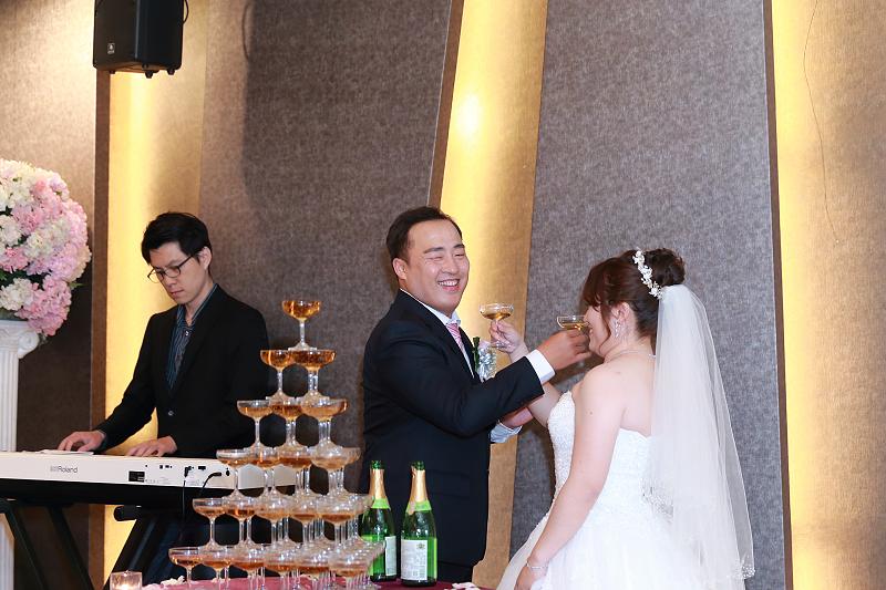 婚攝推薦,青青食尚花園會館,戶外證婚,謝親恩好感人,伴娘真性情,搖滾雙魚,婚禮攝影,婚攝小游,饅頭爸團隊