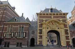 Mauritspoort gate to the Binnenhof. The Hague (Prof. Mortel) Tags: netherlands thehague mauritspoort binnenhof