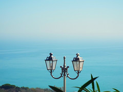 Lampione di Vasto (gabriele.romano@live.it) Tags: lampione vasto mare orizzonte foschia largo sfumature marzo 2019 horizons fading lights lamp lampion sea march photo gabiele romano