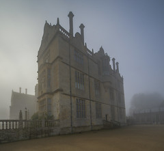 Montacute house ,Natonal trust (y.mihov, Big Thanks for more than a million views) Tags: national trust fog sonyalpha sightseeing sigma skyes trespass travel tourist trees europe england englanduk morning winter wealth wide walks window buildings architecture bricks stone house historical happines holiday devin