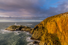 South Stack Lighthouse, Anglesey (Livia Lazar) Tags: landscape wales anglesey southstack lighthouse england rocks horizon