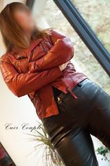elle375 (Cuir Couple) Tags: cuir leder leather cuero veste jacket jupe skirt pantalon pant hosen mistress maitresse cuissardes maître master bondage bdsm