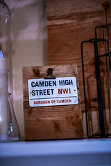 Camden High Street Schild (redroseGarden) Tags: camden high street wood sign schild holz