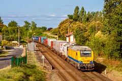 08 août 2016 BB 75106 Train Niort -> Bordeaux-Hourcade Cubzac-les-Ponts (33) (Anthony Q) Tags: modalouest combiné ferroviaire wagon sncf régiorail aquitaine gironde akiem bb75106 bb75000