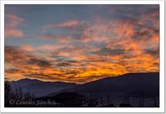 Otro día, otro cielo (Lourdes S.C.) Tags: amanecer alba cielo nubes paisaje contraluz nwn