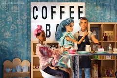 the barista's girlfriend (photos4dreams) Tags: photos4dreams p4d photos4dreamz ken prince charming toy spielzeug barbie barista coffeebar kaffee diorama 16 doll canoneos5dmark3 toys mattel fashionistas fashionista dude manbun barbiefxp03kencareerpuppebarista
