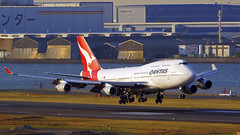 Boeing 747-438, VH-OJU, Qantas Airways (tkosada.mac) Tags: qantas oneworld boeing b744 tokyointernationalairport hanedaairport hnd rjtt