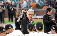 2014 #WorldSerieschampionship #ringceremony at #AtTPark on Saturday, April 18, 2015, in #SanFrancisco (Σταύρος) Tags: kuiper duanekuiper majorleaguechampions mlb majorleaguebaseball majorleague sanfranciscogiants giants sfgiants baseball gigantes losgigantes attpark ballpark baseballstadium baseballteam baseballgame baseballfield baseballplayers sanfrancisco southbeach nikon nikond700 d700 greatseats expensiveseats greatview missionbay soma southofmarket chinabasin estadio stadium pastime giantswin worldchampions giantswon fieldclub fieldclubseats wearesf ringceremony kalifornien californië kalifornia καλιφόρνια カリフォルニア州 캘리포니아 주 cali californie california northerncalifornia カリフォルニア 加州 калифорния แคลิฟอร์เนีย norcal كاليفورنيا