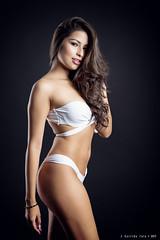 Ela - 2/6 (Pogdorica) Tags: modelo sesion estudio posado chica sexy ela bikini