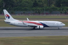 Malaysia Airlines (So Cal Metro) Tags: airline airliner airplane aircraft plane jet aviation airport singapore sin changi 9mmlv malaysian mas malaysiaairlines boeing 737 737800 738