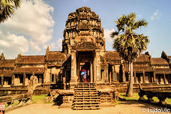 Angkor's entrance (Lцdо\/іс) Tags: angkor angkorwat vat cambodge cambodia kambodscha kamboscha asia asian temple architecture archeological parc park travel trip siemreap voyage