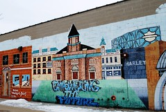 Walkers Point, Milwaukee Mural (Cragin Spring) Tags: milwaukee milwaukeewi milwaukeewisconsin wisconsin wi urban city unitedstates usa unitedstatesofamerica mural art artwork wall