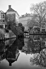 Black And White Bruges (Jason Connolly) Tags: bruges brugge brugescanal bruggecanal belgium canal canalreflections blackandwhite mono monochromatic