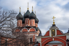Vysokopetrovsky Monastery (Moscow) / Высоко-Петровский монастырь (Москва) (Сергей Г.) Tags: nikond750 afsnikkor70200mmf4gedvr moscow russia orthodoxy petrovkastreet vysokopetrovskymonastery россия москва петровка высокопетровскиймонастырь рпц православие