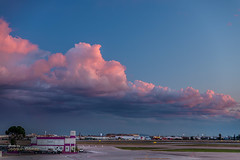 Sunset clouds (Oddiseis) Tags: valencia valenciancommunity spain airport clouds sunset colors sky tamron247028 pink lowclouds stratocumulus weather meteorology city evening blue
