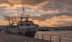 Puerto pesquero do Berbés-_DSC3704 (peruchojr) Tags: barco puertopesquero oberbés nubes agua mar vigo galicia españa