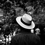 Hat with man/Sombrero con hombre thumbnail
