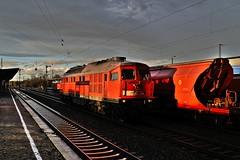 232 528 DB (uhrpfälzer) Tags: eisenbahn zug regen köthen ludmilla 232 br232 güterzug sachsenanhalt wetter bahnhof schatten himmel