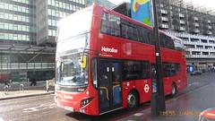 P1150448 VMH2550 LA68 DXU at Warren Street Station Hampstead Road Euston London (LJ61 GXN (was LK60 HPJ)) Tags: metroline volvob5lhybrid mcv evoseti mcvevoseti 105m 10490mm vmh2550 la68dxu nb955
