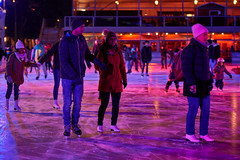 Biel/Bienne – Ice rink (Thomas Mülchi) Tags: biel cantonofbern switzerland 2018 winter nightshot placedelesplanade icerink persons person people children woman women man men bielbienne ch