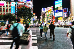 Tokyo - Shibuya 03_05_18 (Alessandro Dozer Fondaco) Tags: tokyo giappone japan shibuya incrocio crossing strisce pedonali zebra persone people mosso blurred movimento movement notte night nightlife vita notturna street photography nikon viaggiare travel