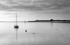 Etel  reflection (hbensliman.free.fr) Tags: brittany landscape travel nature ocean sea coast black white pentax pentaxart ngc