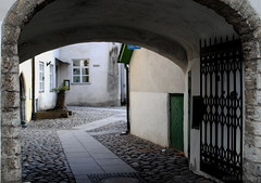 Tallinn, Estonia (KadKarlis) Tags: tallinn estonia city baltic urban historic street courtyard court gate entrance arch old history nikon d3000 35mm day outdoor travel