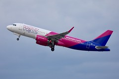 Wizzair A320 HA-LYG departing WAW/EPWA (Jaws300) Tags: airways airlines airline airport air chopin chopinairport warsawchopinairport hungary hungarian carrier cost low lowcost lowcostcarrier takeoff departure departing europa europe poland polska warszawa warsaw w6 wzz eu eos epwa waw lcc a320 wizzair halyg airbus