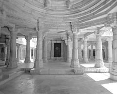 1939 (The Dent.) Tags: mamiya7ii tmy2 hc110 dilution b 7 min india ranakpur jain temple rajasthan