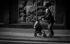 2019_082 (Chilanga Cement) Tags: bw blackandwhite monochrome street streetphotography lancashire ormskirk lady woman trolley sunlight sunshine pavement sidewalk