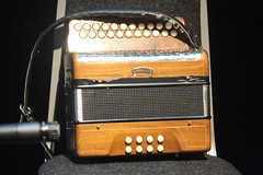 Accordions, Concertinas, etc. [Free Reed Instruments] 29: Button Accordion (of Dermot Byrne) (KM's Live Music shots) Tags: musicalinstrument hornbostelsachs aerophone buttonaccordion accordion dermotbyrne kgbkeenangavinbyrne irishculturalcentrehammersmith
