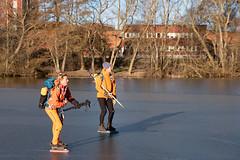 Ulrika och Kalle vid Jästfabriken (David Thyberg) Tags: långfärdsskridsko winter nature skate sweden stockholm skating 2019 ice sverige rotebro se